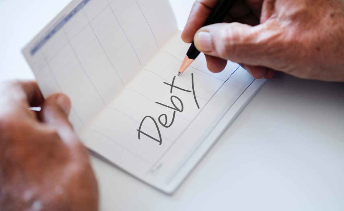 Should I Pay Off Debt and Invest at the SameTime?